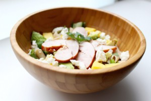 frisse salade-gerookte kip-mango-koriander